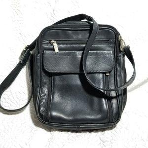 Other - Men's Genuine Pebbled Leather Black Reporter bag
